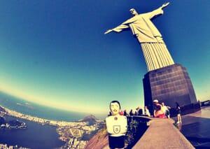 Oscar, joueur de baby-foot en voyage autour du monde