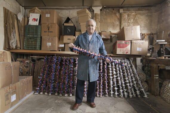 L'artisan fondateur fabricant de joueurs de baby-foot espagnol par Fabio Cundines