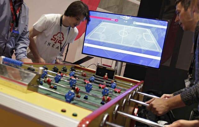 Un baby foot stella connecté à l'aide d'un système développé par une jeune entreprise