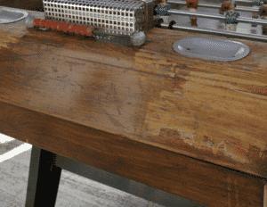 Occasion baby foot : vérifier vernis de la caisse en bois