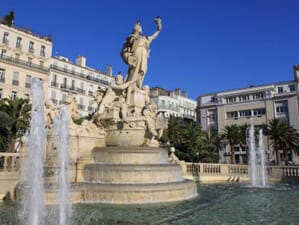 baby-foot-toulon-statue